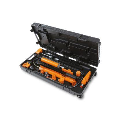 1365/K13 10 t hidrodinamikus szivattyú és tartozék készlet karosszéria javításhoz praktikus húzható táskában